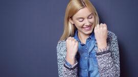Erleichterte Frau glücklich Erfolg stark - © Shutterstock