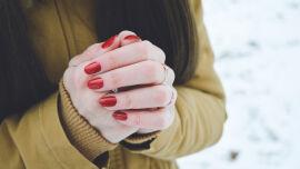 Finger Hände Winter Fingernägel - © Shutterstock