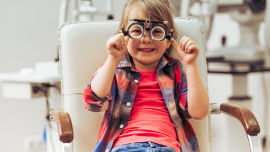 Kinder Augenarzt online - © Shutterstock